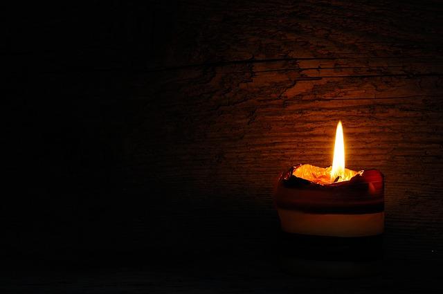 candle-546563_640